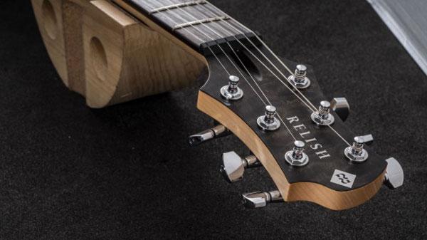 レリッシュ・ギター ヘッド relish guitars black stain quilted maple mary one head #013