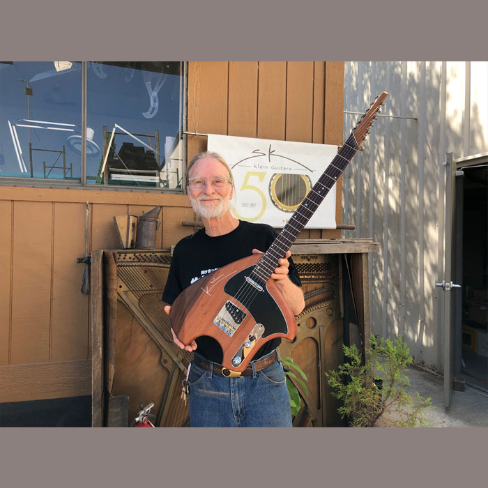 Steve Klein with sTele red wood Klein Guitars クライン・ギター スティーブ・クライン